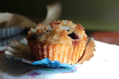 blackberry macaroon tart muffin 3