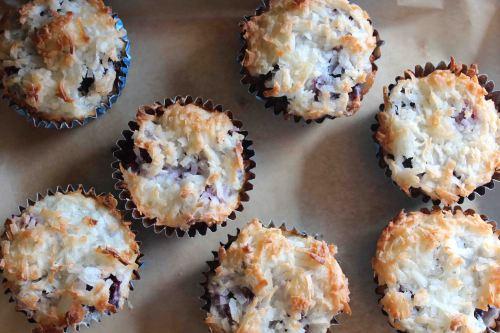 Blackberry Macaroon Tart Muffins   fidget smile wave